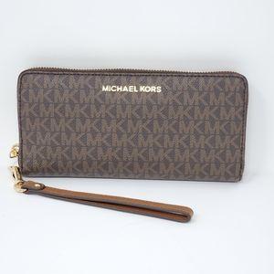 100% Auth Michael Kors Long Wallet/ Wrislet